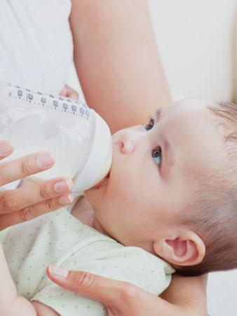 영아를 위한 수유, 이유 및 영양