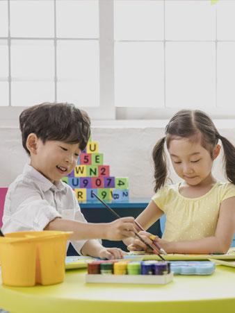 영아 발달에 적합한 놀이활동의 이론과 실제